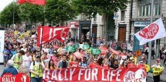 Multitudinaria marcha por la vida en Irlanda /Rally for Life